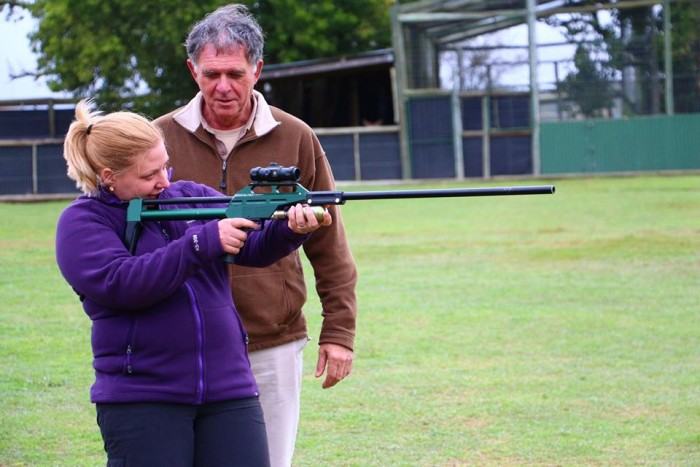 A volunteer darting on the Vet Eco Safari Experience
